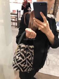 2019 sacos de balde mini Mulheres MINI BUCKET FF Carta Bordado Sacos De Veludo Sacos de Ombro Das Senhoras do Sexo Feminino Saco de Senhoras 12-18-10 sacos de balde mini barato