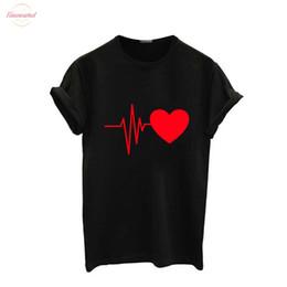 2019 camicie della camicia delle signore Camicette Amore shirt stampa per V-collo di estate delle donne casuali shirt modello multicolore divertenti camice delle signore modo della parte superiore camicie della camicia delle signore economici