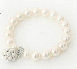 fresa de diamante Rebajas Versión coreana de estilo de moda simple Joker Strawberry Pearl Ball Studded Cute Diamond Female Fracelet