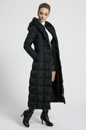 abrigo de invierno azul Rebajas 2018 nuevas mujeres invierno Chaquetas largas con capucha cinturón tamaño grande negro azul marino más tamaño engrosamiento abrigos