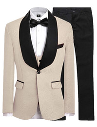 Лучший пиджак шампанского онлайн-Champagne Groomsmen One Button Groom Tuxedos Shawl Black Satin Lapel Men Suits Wedding Best Man ( Jacket+Pants+Vest+Tie ) C491