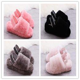 Sandalias y zapatillas de terciopelo de un solo artículo de moda de alta calidad zapatillas de ocio de transición de diseño y cómodas zapatillas de algodón 36-41 desde fabricantes