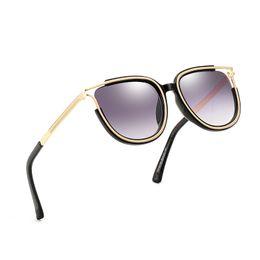 senhoras designer uv óculos de sol Desconto High-end ladies square óculos de sol da marca designer de estilo de verão senhoras óculos de sol senhoras moldura de ouro óculos de sol anti-uv moda cor misturada