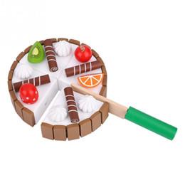 Giocattoli di legno della cucina del bambino online-Pretend Magnetico Gioca Giocattoli Taglio di legno Torta di frutta Cucina Cibo Cucina in legno Giocattolo per bambini Set Giocattoli educativi per bambini Giocattoli per bambini