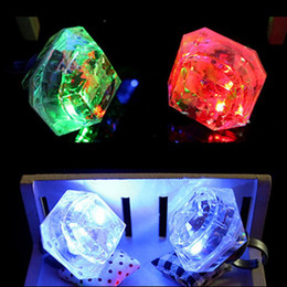 2019 resplandor de diamante Diamante LED intermitente anillos de dedo niños niños niñas Rave Party anillos que brillan intensamente Glow Party Supplies Concierto Bar Regalo de cumpleaños de juguete resplandor de diamante baratos