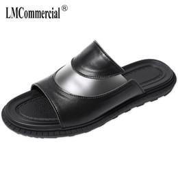 Flip-flops 19 Sommer Neue Hausschuhe Mode Casual Sandalen Flut Männer Der Wort Zu Drag Männer Strand Schuhe Offene Spitze Sandalen Schuhe