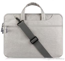 13 maniglia del sacchetto del computer portatile online-shopitem Custodia per laptop Borsa per MacBook Air 13 pollici 11 Pro Retina 12 13 15 maniglia tracolla borsa per notebook 14 15,6 '' Laptop