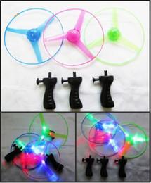 Hubschrauber pull spielzeug online-2019 heiße Verkaufs-Kind-Spielwaren-Licht-Blitz Spielzeug Lustige bunt Zugschnur UFO LED leuchtet Flying Saucer Disc Kinder Hubschrauber-Spielzeug