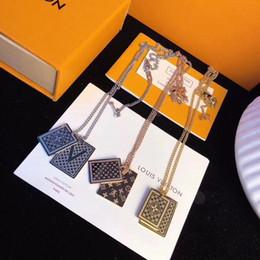 2019 pinturas do gatinho Moda Luxo Unissex do estilo do design três tipos de aço titânio ouro 18k jóias colar de corrente Box gratuito
