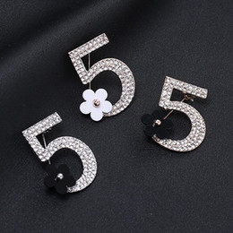 fashion flowers brooch Coupons - Fashion Number 5 Small Flower Brooch Full Rhinestone Brooch Women Jewelry Designer Pins For Ladies Gold And Silver Wholesale