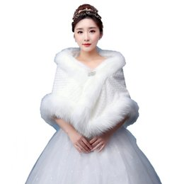 Bolero de la boda de alta calidad con diamante nupcial chales envuelve Faux Fur chaqueta nupcial accesorios capa del cabo en piel falsa stole desde fabricantes