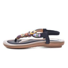 Rhinestone bling flache sandalen online-Böhmen Sandalen Sommer Stil Bling Strass T-Strap Plattform Sandalen Friesen Wohnungen Schuhe Frau Größe 35-41 XWZ1733