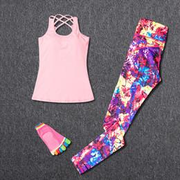 indossando pantaloni di yoga Sconti Abbigliamento sportivo da donna Tuta sportiva Insiemi di yoga fitness Abbigliamento da palestra Abbigliamento da ginnastica Leggings Yoga + Pantaloni Perdere peso Abbigliamento sportivo