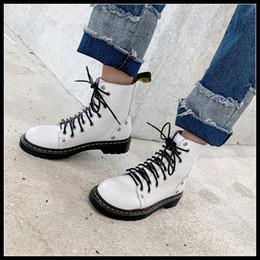 2019 старинные заклепочные сапоги женские сапоги из натуральной кожи женская обувь винтаж мотоцикла загрузки зашнуровать дизайн платформы плоский низкий каблук заклепки обувь женщина дешево старинные заклепочные сапоги