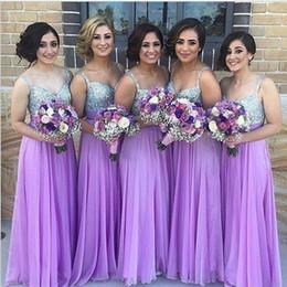 Maxi vestidos violeta claro online-Vestido de dama de honor de fiesta con escote de pico de lentejuelas purpúreas purpúreas claras
