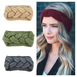 Девушки дамы крючком повязки онлайн-Женщины повязка на голову крючком 9 цветов вязаные шерстяные ленты для волос зима теплые повязки на голову девушки головные уборы леди наушники наушники аксессуары для волос бесплатно DHL M28F