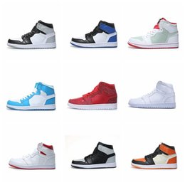 6a610282cfd0 Mens Basketball Shoes 1 OG Top 3 Toe lightning Chicago To Home Bred Men  Women Sports Shoes fashion luxury mens women designer sandals shoes