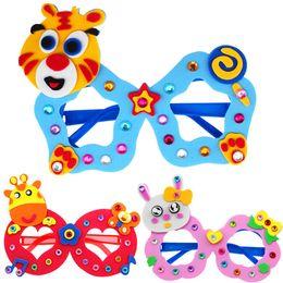 2019 quadros em forma de borboleta Pacote de material diy óculos de eva das crianças 16 estilos animais padrões sapo borboleta golfinho abelha tigre forma dos desenhos animados armações de brinquedos berçário desconto quadros em forma de borboleta