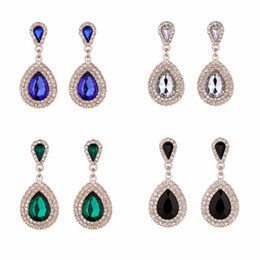 Canada Européens et américains qui vendent de nouvelles boucles d'oreilles en perles de brique et de pierres de luxe rétro féminines Offre