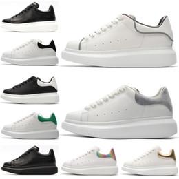 mcqueen 2019 ACE Barato Gris Suede Diseñador de moda de lujo Zapatos de mujer blanco negro Low Cut Leather Flat hombres para mujer Zapatillas de
