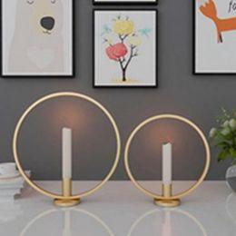 candele decorative da tavolo da cerimonia nuziale Sconti Supporto di candela anello di figura Metallo Ferro decorativo Candeliere per la festa di nozze pranzo centro tavola Ornamenti Home Decor EEA1254