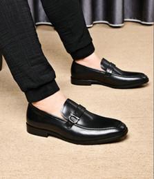 2019 hebillas de tejer Caballo de cuero Japanned Horsebit zapatos de vestir de hombre hebillas de punto para hombre traje zapato Zapatos 38-45 hebillas de tejer baratos
