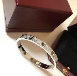 браслет из белого золота 18к белого цвета Скидка Luxury designer LOVE bracelet 925 sterling silver plated 18K gold white gold bracelet woman high quality gift