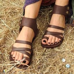 Damen runde Kappe Knöchel Doppelknöpfe Schuhe offene Zehen Sandalen römischen Stil flache Sohle Damen weichen Big Foot Beach Walk Schuhe von Fabrikanten