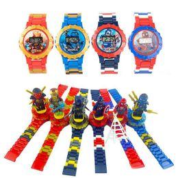 Wholesale Super héroe relojes DC Marvel Avengers figura de acción juguetes de dibujos animados Building Block Watch para niños niños niñas regalo de Navidad con caja paquete