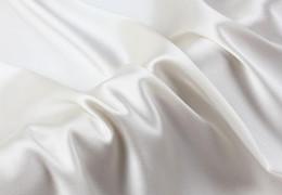 2019 ropa de cama blanca pura Howmay venta al por mayor 100% tela de seda pura satén charmeuse 19 m / m 55