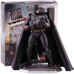 Liga de Justiça da DC Batman Action Figure brinquedo de brinquedo Collectible PVC MAFEX No.056 MAQUEX TOY de Fornecedores de figuras de gashapon
