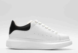 Canada Sale Red Bottom Sneaker Hommes Chaussures Magasin! Italie Marque Blanc En Cuir Véritable Hommes Baskets Basses Chaussures À Lacets Junior Femmes Hommes Baskets 35-45 cheap italy brand shoes Offre
