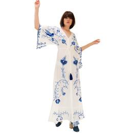 Argentina Mejor bohemio # Maxi vestido blanco azul bordado floral elegante borlas Vintage Button Beach Holiday Casual Boho mujeres vestidos cheap kimono vintage floral tassels Suministro