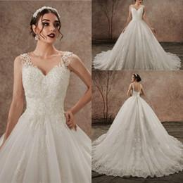 Schiere zurück hochzeitskleider buttons online-robe de mariage Luxus SpitzeApplique Handarbeit Brautkleid Sleeveless Button Sheer Jahrgang Brautkleider