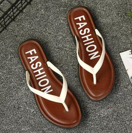 shoes flat feet men Promo Codes - Flip-flops female summer fashion wear flat bottom sandals slip slip feet slippers wild new seaside holiday beach shoes A058