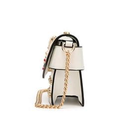 Novos sacos de marca pérola on-line-Nova famosa marca mulheres messenger bags pequena cadeia crossbody sacos de luxo feminino bolsa de ombro bolsa de pérola 2018 vermelho branco preto