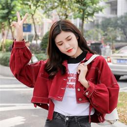 2019 jaqueta de vestuário feminino denim curto 2019 Primavera Jaqueta Curta Jeans Mulheres Vermelho Branco Amarelo Outerwear Batwing Manga Roupas Femininas Colheita Jeans Jaquetas jaqueta de vestuário feminino denim curto barato