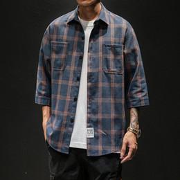 2019 flanell-chemise Casual Mens Three Quarter Shirt japanische Streetwear Plaid Streifen koreanisches Hemd für Männer Flanell Vintage Chemise Männer Kleidung rabatt flanell-chemise