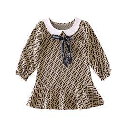 2019 vestido de rayas rojas blancas para niños 2019 vestido de la manera del algodón de los bebés Primera marca Carta de manga larga falda de primavera otoño niños de los cabritos ropa infantil casaca arco lindo