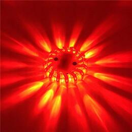 Faro led rojo online-Destello de seguridad de emergencia LED Imán de destello rojo de carretera Luces intermitentes de advertencia Lámparas de baliza de disco en carretera para coche Camión Barco