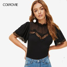 2020 inserto camiseta Colrovie Black Stand Collar Lace Insert Mesh Yoke Slim Fitted Elegant T-shirt Mujeres 2019 Summer Stretchy Ladies Tee Shirts Tops Y19072701 inserto camiseta baratos