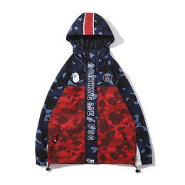 Casaco de impressão on-line-2019 Chegada Nova Mens Designer Jacket Brasão Hoodie New capuz Trench Mens Designer Camouflage Brasão Imprimir Tamanho M-2XL