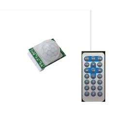 chargeur de batterie pour ordinateur portable à énergie solaire Promotion Contrôleur solaire d'induction humaine infrarouge du contrôleur 3.7V 7.4V de lampe solaire avec le contrôleur à distance