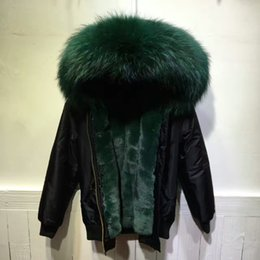 Мужская куртка бомбер мех онлайн-Black bomber fur parka with dark green faux fur lined, short filght mini jacket mens handsome mr wear in winter