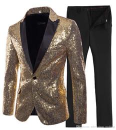 Sottile vestito lucido online-2019 Nuovi disegni Matrimonio Uomini Suit 2 Pezzi Shiny Sequin Mens Suit Slim Fit One Button Peak Notch Risvolto smoking per matrimonio (Blazer + Pant)