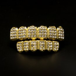 2019 denti griglia d'argento Hiphop Gold Denti Grillz Uomo CZ Diamanti strass argento Denti Griglie Set mens dente decorazione dentale corpo gioielli all'ingrosso denti griglia d'argento economici