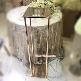 2019 rolos de carpete por atacado Novo estilo de ouro alto casamento flor stand decoração / não a peça central iluminada / metal pilar best0966