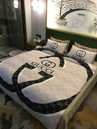 2019 juegos de ropa de cama de diseñador Conjuntos de ropa de cama de lujo de diseñador Conjuntos de ropa de cama de tamaño queen Sábanas de algodón Conjuntos de edredones de cama de marca rebajas juegos de ropa de cama de diseñador