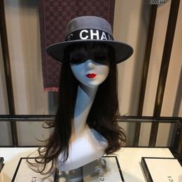 Chapeaux simples en Ligne-Lady Designer Hat Simple et élégant Tempérament Sunhat Mesdames Designer Chapeau Laine sauvage Rétro élégante