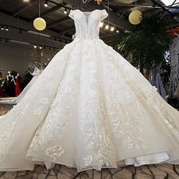 2019 elástico de cetim vestido de bola vestidos de noiva Laço Com Decote Em V vestido de Baile Vestidos de Noiva Marfim E Champagne Off The Shoulder Querida Up Vestidos De Casamento Long Train Frisado Vestido De Noiva 2019
